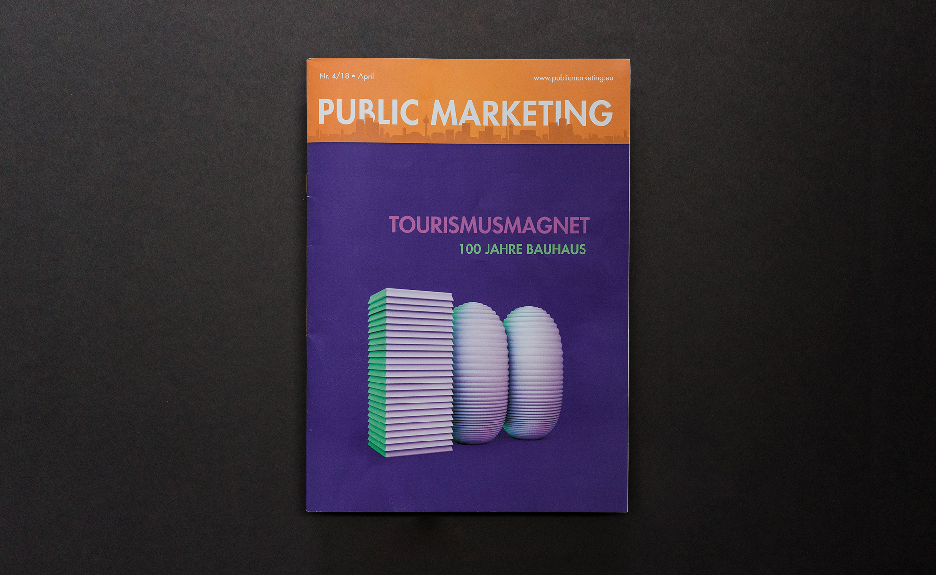 The cover of the fourth Public Marketing issue in 2018